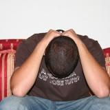 Bei einer Depression kann Sport helfen. Deshalb: Runter vom Sofa und aktiv werden.