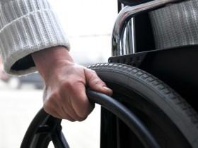 Auf Menschen im Rollstuhl lauern viele Tücken