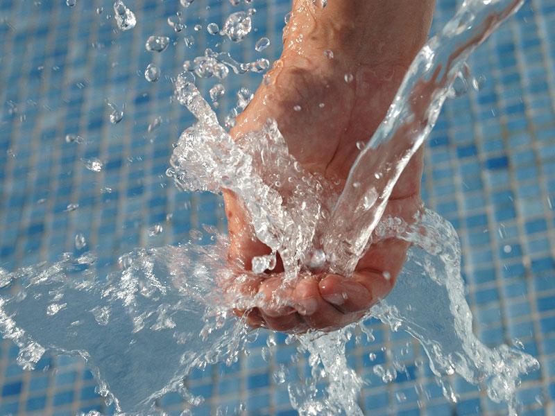 Wassergüsse